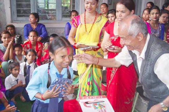 Future House er sponsor for den nepalesiske pige, Durga